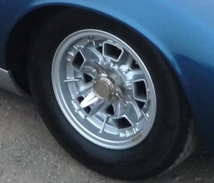 how to clean old hubcaps