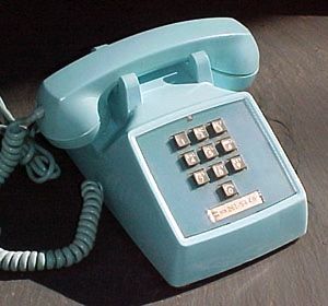 Western Electric 1500. Note the lack of asterisk and octothorpe keys