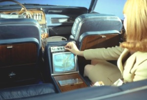 The limited-edition 1967 Ford Thunderbird Apollo featured a standard Automatic Electric Starlight phone mounted just above the Philco rear seat television allowing easy access for both front and rear occupants.